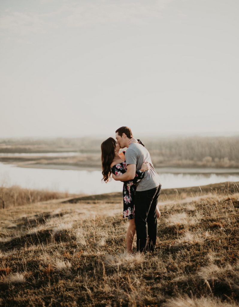 https://www.courtneyjessphotography.com/wp-content/uploads/2018/01/Danielle_Tyler_Cranberry_Flats_Engagement_8D4A3034-798x1024.jpg