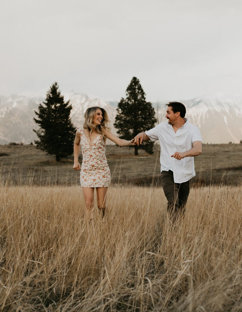 https://www.courtneyjessphotography.com/wp-content/uploads/2019/08/Brandynn-Chris-52-of-101-795x1024.jpg